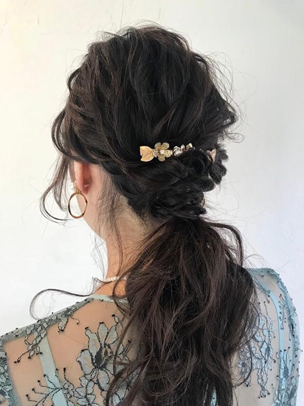 魅力あふれる女性に変身できるヘアアレンジはローポニーテールがおすすめ★